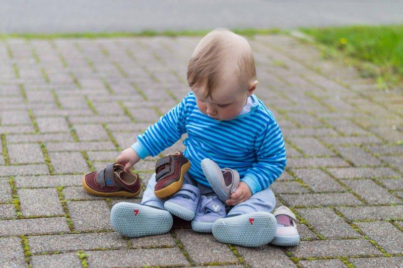 c04659e056eb7 Detské topánky Vivobarefoot Detská obuv pre zdravé chodidlá Vivobarefoot
